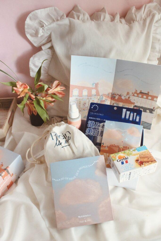 パリ発の月一回届くコスメと雑貨のサプライズボックス
